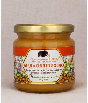 Мед с ягодами облепихи фото